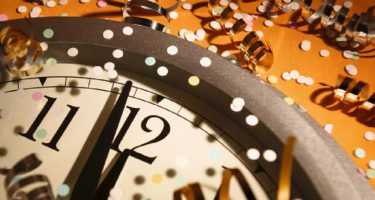 happy_new_year_midnight_celebration_clock_1280x768_hd-wallpaper-1647930